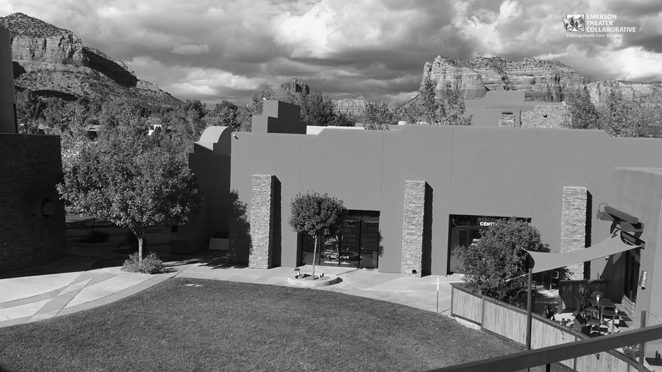 The Collective Sedona Courtyard with view of Mountains